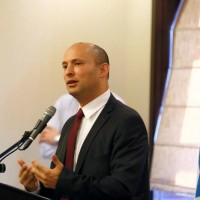 Israeli Education Minister Naftali Bennett, speaks during a briefing to members of the foreign press association, in Jerusalem November 14, 2016. REUTERS/Ronen Zvulun  - RTX2TLQB